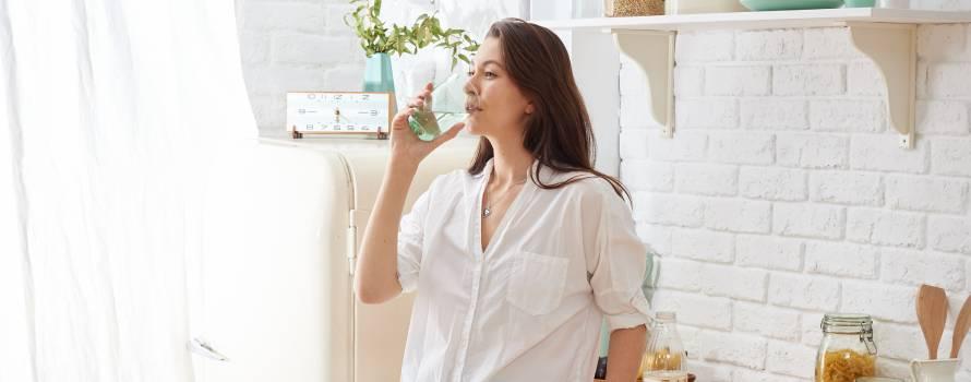 bere acqua pura
